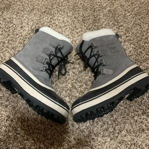 Sorel Caribou boots! Great condition.